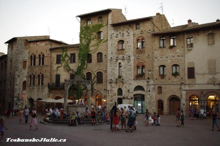náměstí v San Gimignanu