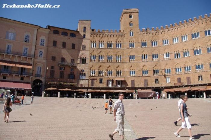 Náměstí Piazza del Campo